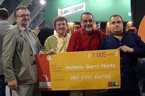 Ganador del concurso oficial Humor Grafico Caracolero 2012 ANTONIO GARCI NIETO en la APLEC DEL CARAGOL – Guanyador del concurs oficial Humor Gràfic Caragoler 2012 ANTONIO GARCI NIETO a la APLEC DEL CARAGOL