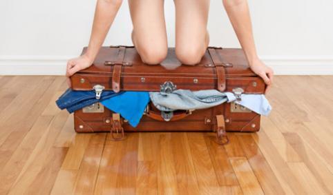 QUE NO HAS DE LLEVAR NUNCA EN TU MALETA DURANTE UN VIAJE – Durant un viatge que no has de dur a la maleta