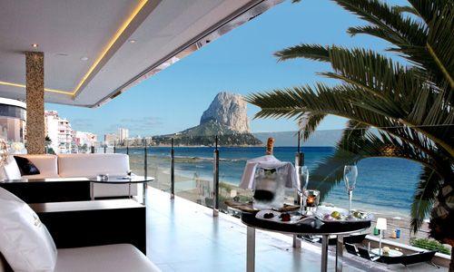 Los 10 mejores hoteles de playa de España / reservalos en www.viajesiltrida.com/hotel reserval's /  Els 10 millors hoels de platja d' Espanya