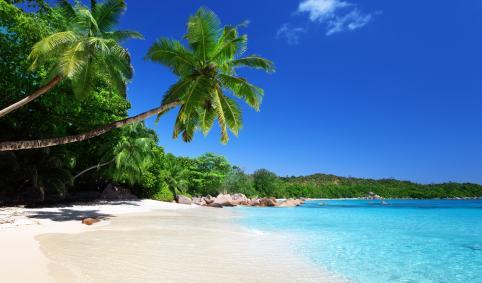 14 destinos de vacaciones imprescindibles para 2014 / 14 destins inprescindibles per les vacances 2014