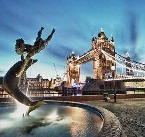 -88-london tower_bridge_st_katharine_docks_girl_with_a_dolphin_fountain_680